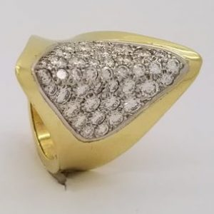 18k Gold Ring with 3.25ctw Round Diamonds