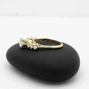 Ladies engagement ring with 1.25ctw