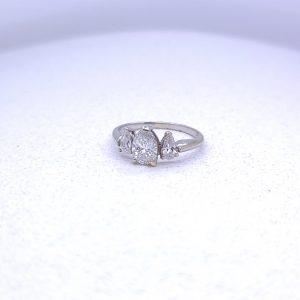 14k 3 stone ring