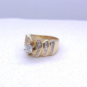 14k Diamond Staggared engagement ring