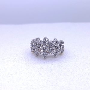 Impresive 3CTW diamond cocktail ring